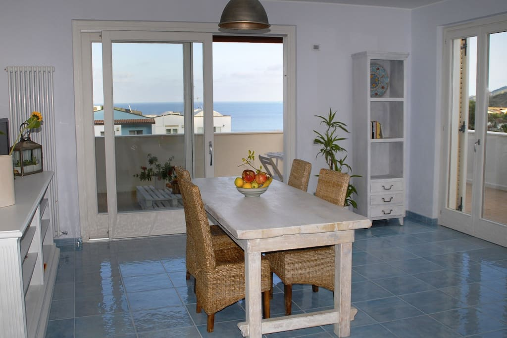 Living Room con vista mare