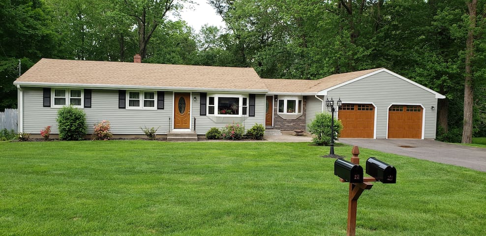 Newly remodeled Ranch  near UCONN