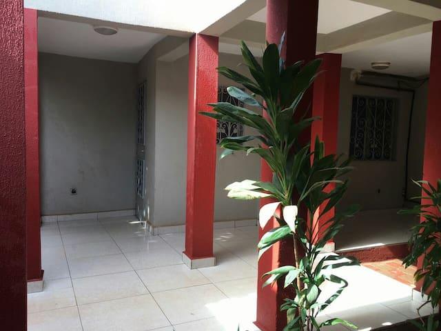 Mini villa 3 chambres - Ouagadougou - House