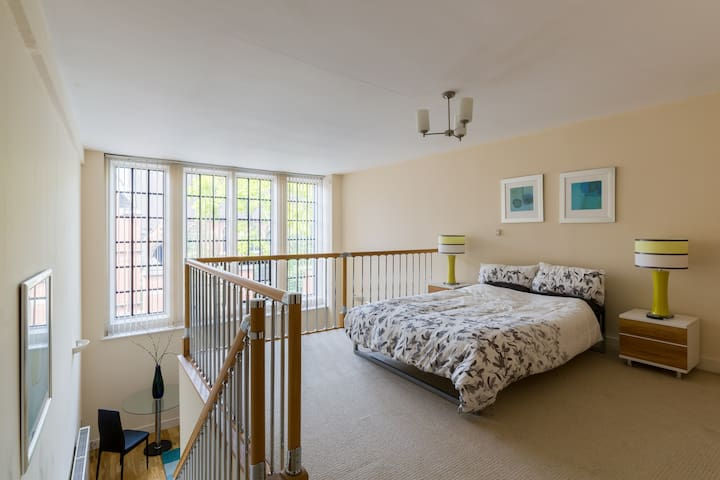 City Centre Apartment - Worcester - Apartment
