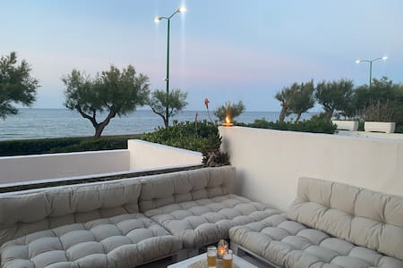 Puglia / Apulia  Salento sunny Beachfront 2br apt
