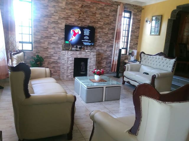 Incredible home in a secure gated community - Nairobi - Dom