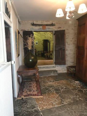 L'entrée des chambres