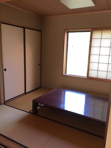 "【馬】JapaneseStyle""Tatami&Futon""room - 福岡市 - Rumah"