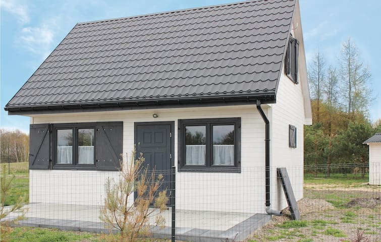 Holiday cottage with 2 bedrooms on 70m² in Kolczewo