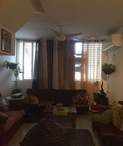 Nice room in duplex with roof - Ramat gan - Bed & Breakfast