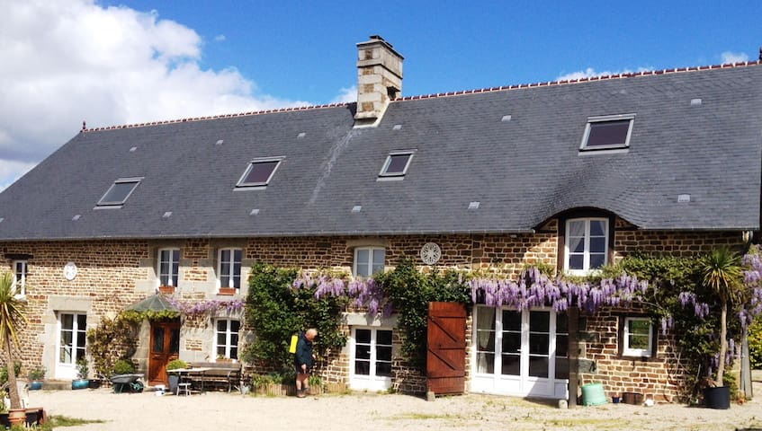 Luxurious farmhouse to sleep ten in rural Normandy - Landelles-et-Coupigny - Huis
