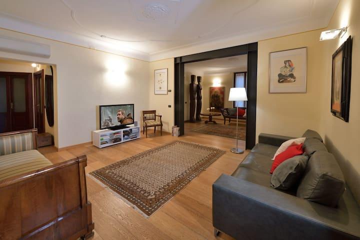 C-Rooms, Residenza Correggio
