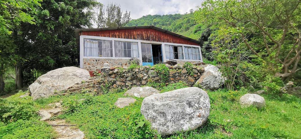 Casa de la Laguna de Ayarza