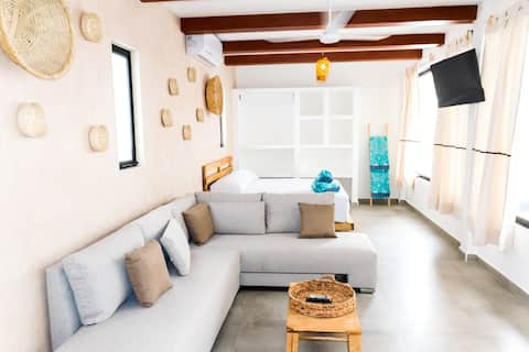 Boho Chic Loft (Comfortable) with Pool - NEW (4)