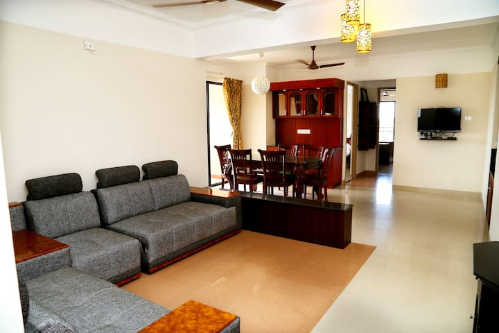 Voyastays Apartment Sreekariyam - Thiruvananthapuram - Flat