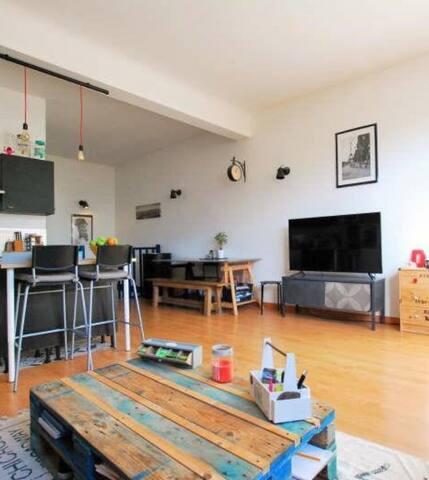 Loft avec une belle terrasse