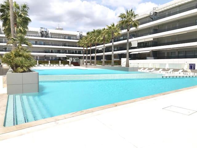 ROYAL BEACH Ibiza next to HI - USHUAIA - HARD ROCK