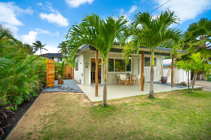 The Cottage at Hale Oahu in Kailua; Legal Vacation Rental; Beachfront Estate
