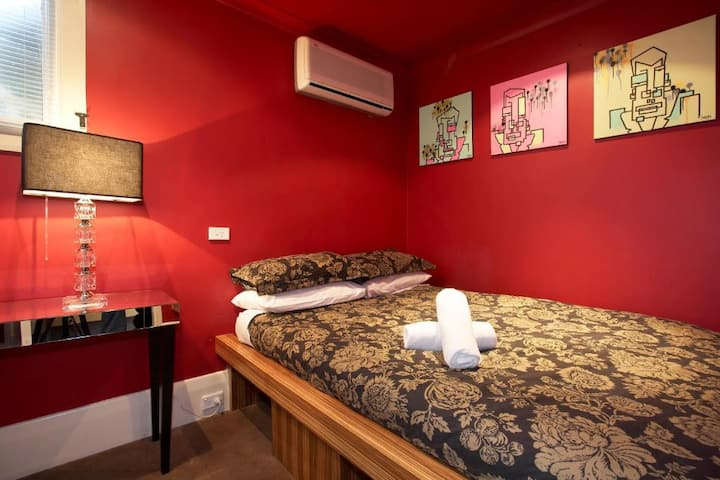 Piccolo Room