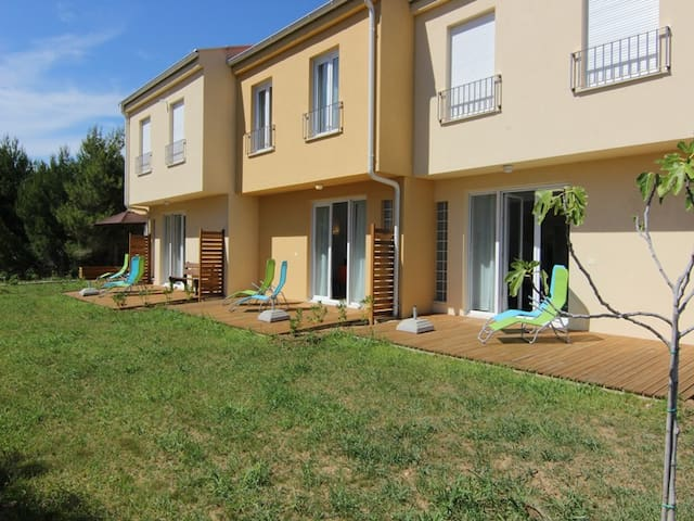 3 bedroom house near beach (Blue) - Vrsi - Casa