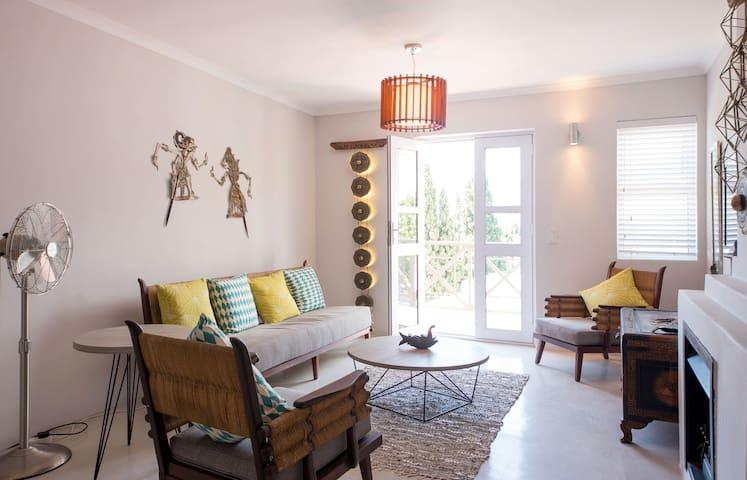 Modern home with Asian Twist - Kapstadt - Wohnung