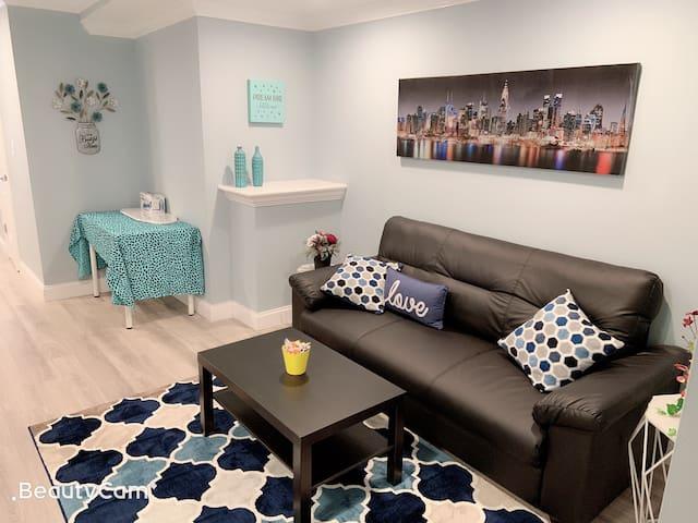 Cozy bedroom next Johns Hopkins hosp, fells point