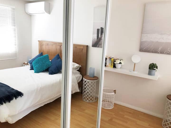 North Perth Spacious apartment, private courtyard