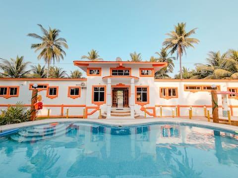 • Shekina House a tropical paradise