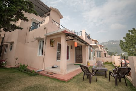 Premium 3 BHK Valley View Villa with Lawn.