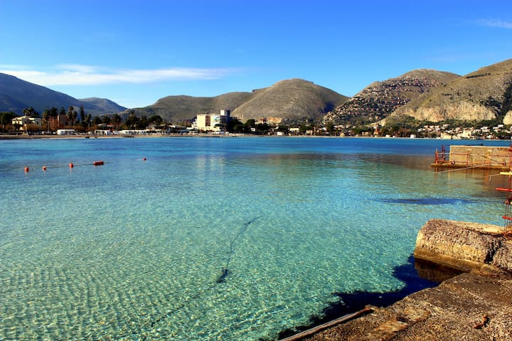 Appartenemt à Palermo proche de la mer.