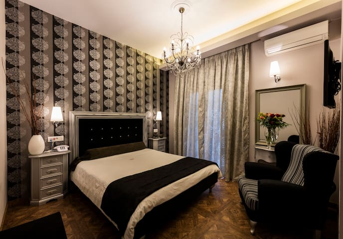 BUDGET DOUBLE ROOM 1ST FLOOR - Nafplio - Bed & Breakfast