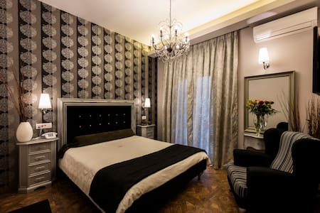 BUDGET DOUBLE ROOM 1ST FLOOR - Nafplio - Bed & Breakfast