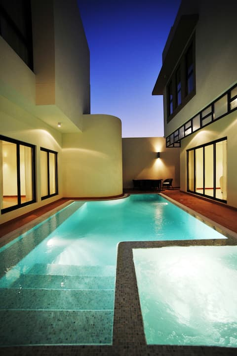 5 Bedroom Pool Villa in Gardens @ Zallaq
