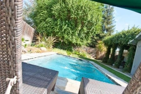 Rest & Relaxation Close to Sequoia! - Visalia