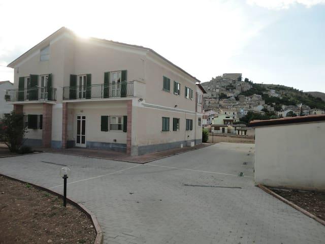 Villa Di Felice in quiet Italian town