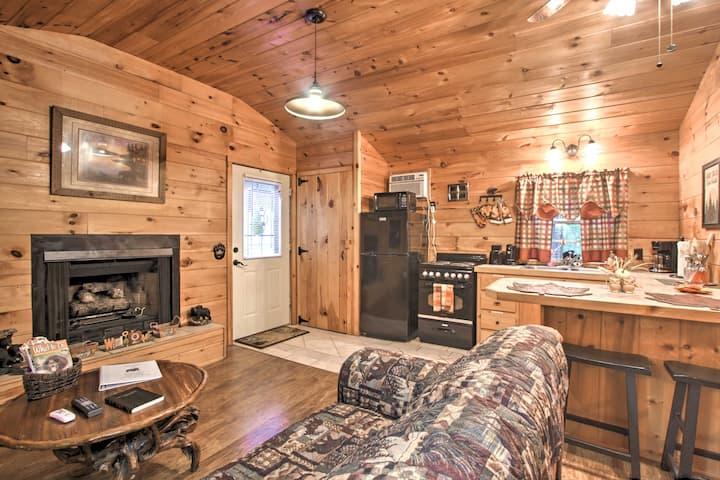 Cozy & Quiet Sevierville Studio w/ Deck & Fishing!