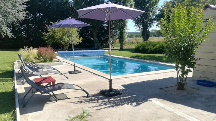 Charmant gîte en campagne avec piscine