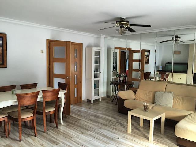 Bonita habitación individual :) - Villaviciosa de Odón - Apartment