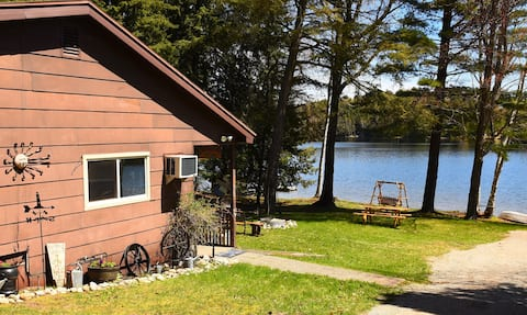 U.P. Cabin lakefront & WIFI & Pet friendly
