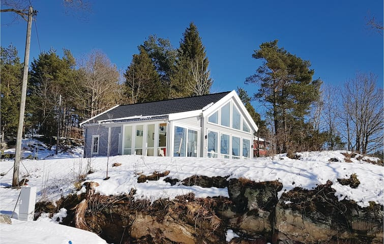 Holiday cottage with 3 bedrooms on 110 m² in Lillesand