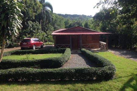 Casa campestre en madera!!!!!! - Pedro Brand