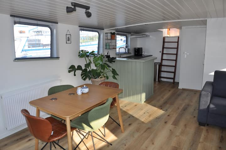 Captains Logde / privé studio houseboat