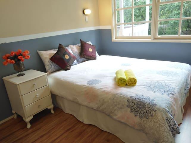 温馨舒适便利的度假屋,五室六床二卫。