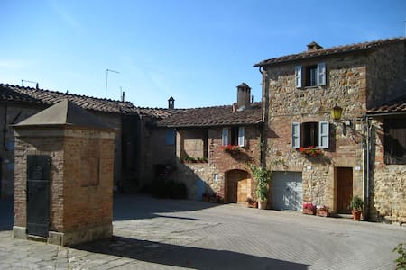 Charming  house in the walls of medieval Murlo
