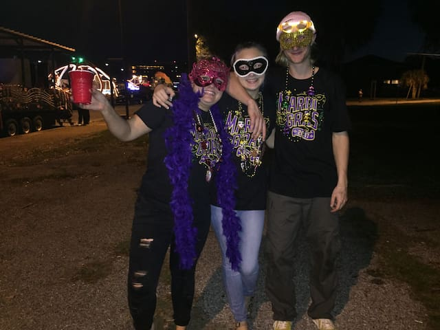 Quaint Apt. in N/E Pensacola, Mardi Gras time