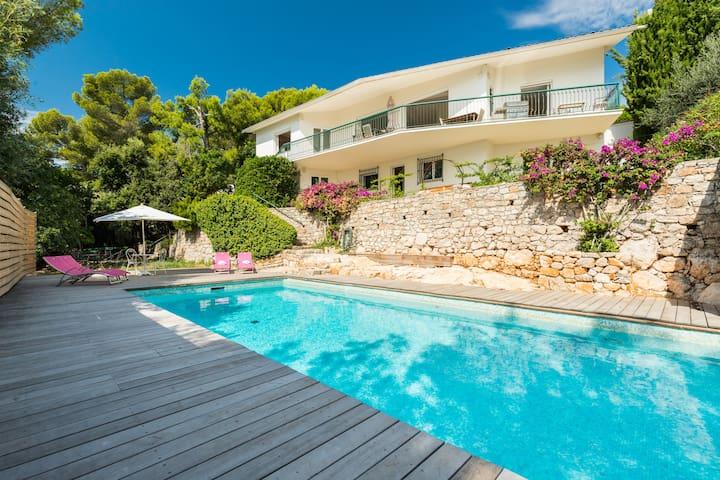 villa 240m2 hauteur d'Antibes vue mer panoramique