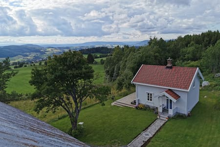 Farm House in with stunning views!