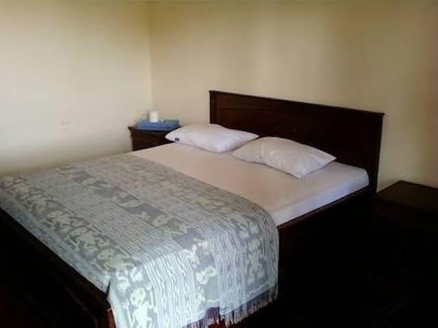 Penginapan harga murah di Bogor - Bogor Tengah - Bed & Breakfast