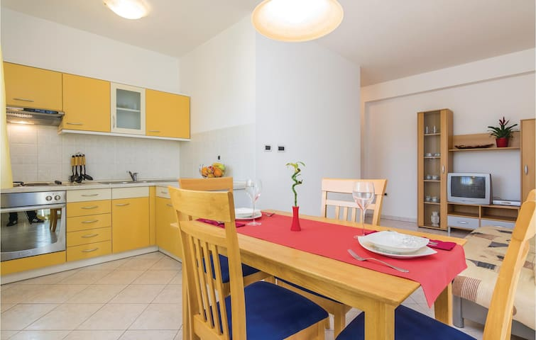 Holiday apartment with 2 bedrooms on 49m² in Porec