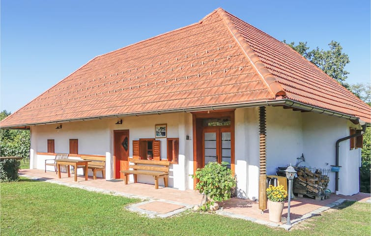 Holiday cottage with 1 bedroom on 100m² in Heiligenbrunn