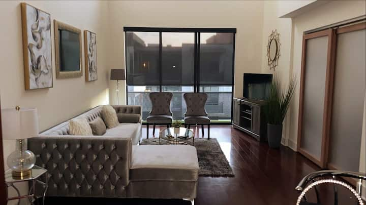 A luxurious 2 bdrm loft located in Buckhead area