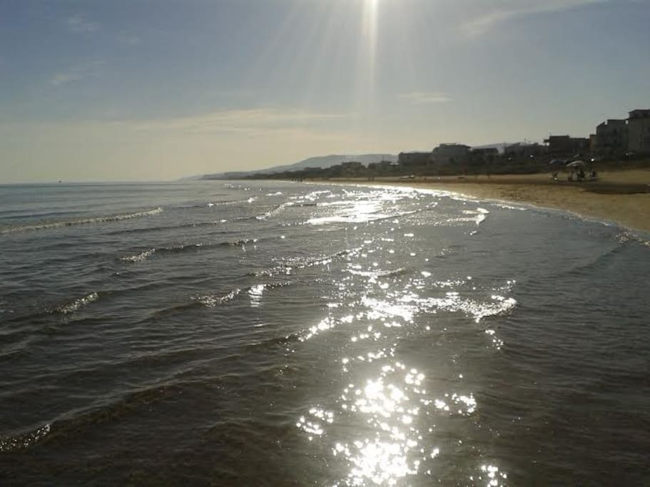 Mare e spiaggia di Foce Varano/Foce Varano's Sea and Beach