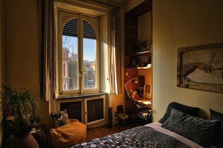 Room or apt in Milan city center