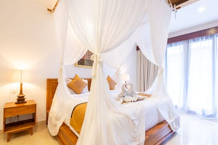 Room size is 35m square, room facilities included a private balcony, private bedroom and private bathroom for hot & cold running water and  free amenities